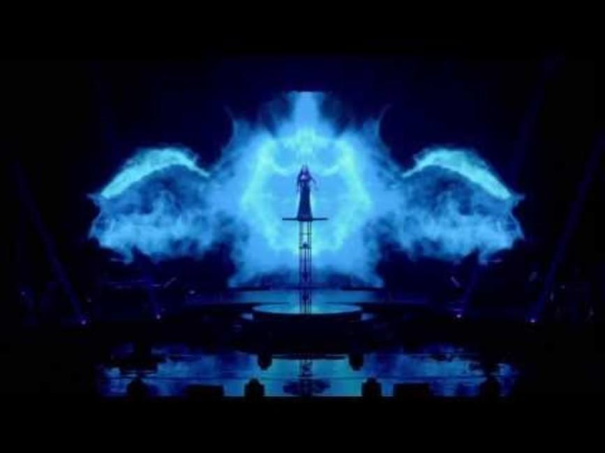 Sarah Brightman shines as an international soprano sensation