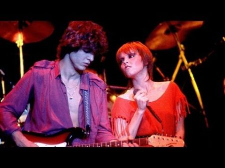 Pat Benatar continue to rock fans in concert