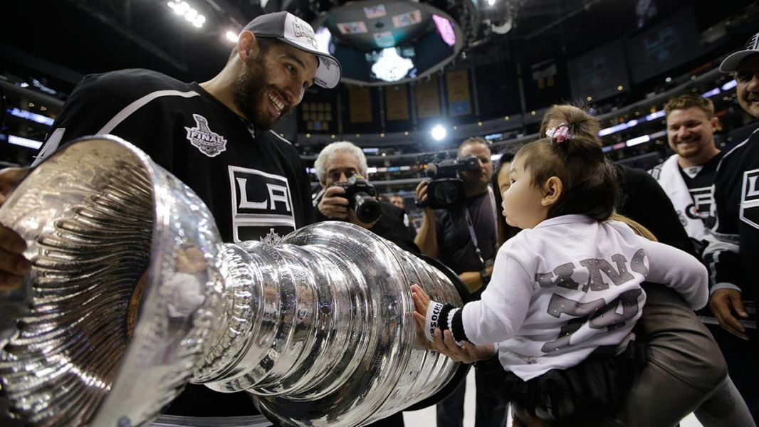 Kings sign Dwight King to 3 year contract