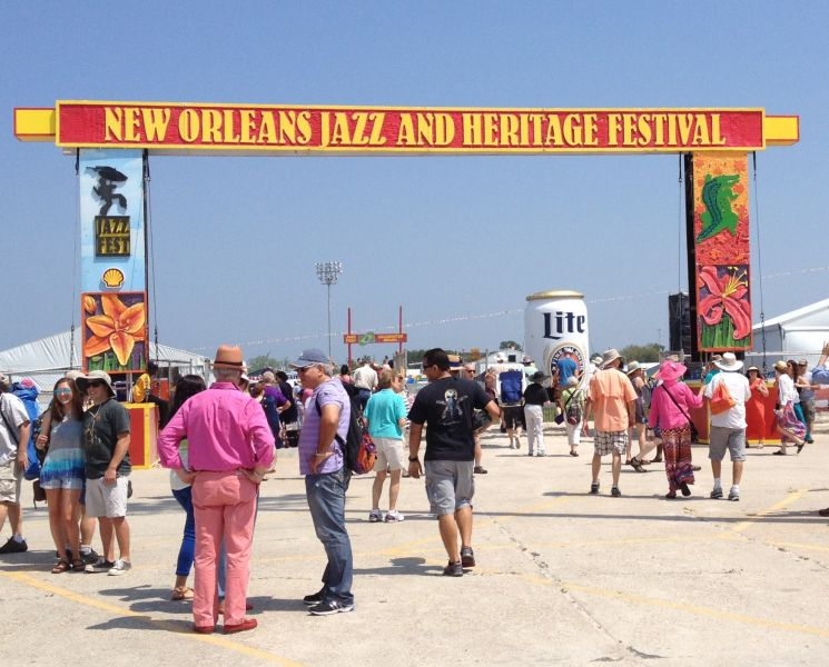 With the Samsung Galaxy Hub app, the New Orleans Jazz Fest gets even better