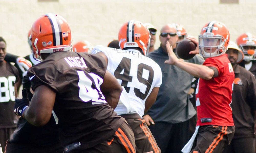 Johnny Manziel shows maturity by owning up to preseason mistakes