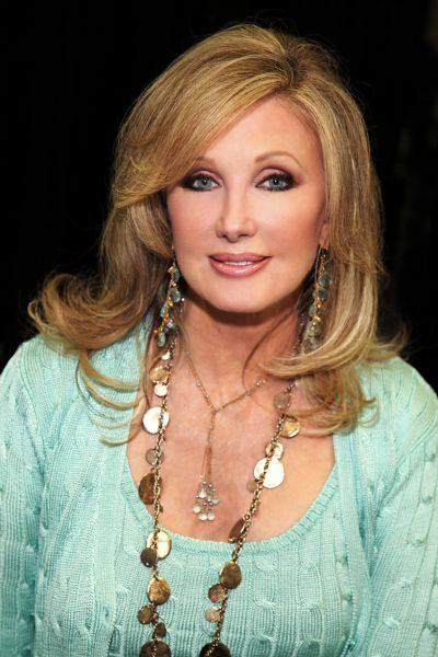 Morgan Fairchild opens at New Theater in 'Murder Among Friends'
