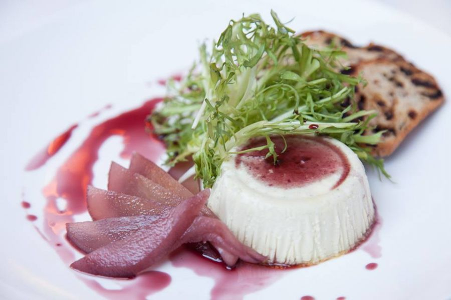 Chicago offers american cuisine with a twist axs for American cuisine chicago