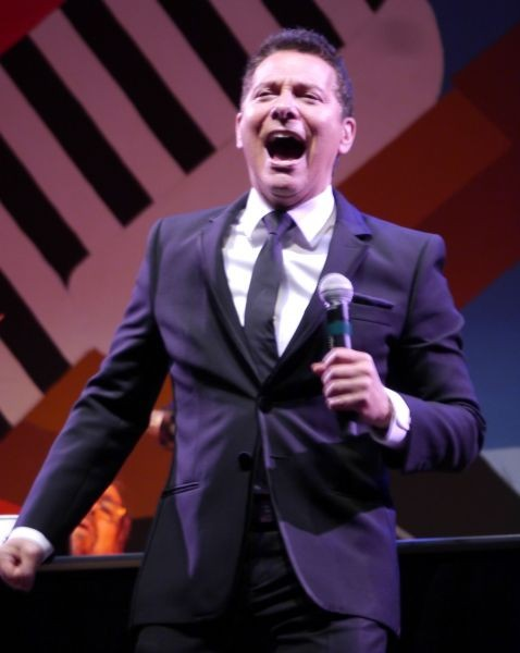 Michael Feinstein gives goodnight kiss to Monterey Jazz Festival