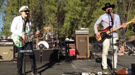 Burger Records reveals insane Burgerama 4 lineup feat. Weezer, Ty ...