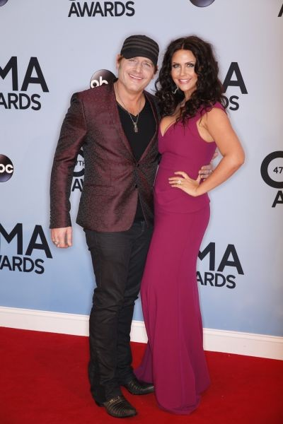 Jerrod Niemann details wedding plans, asks for donations in lieu of gifts
