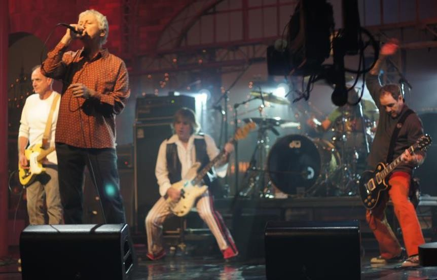 Guided By Voices break up, cancel remaining fall tour dates