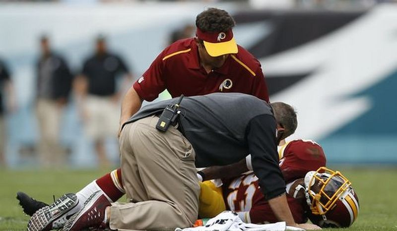 Redskins DeAngelo Hall tells reporters he has an Achilles injury