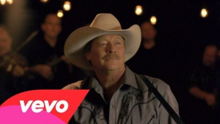 Alan Jackson to embark on 25th anniversary tour in 2015