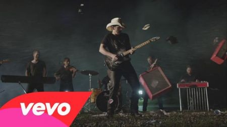 Brad Paisley is set to debut 'Perfect Storm'