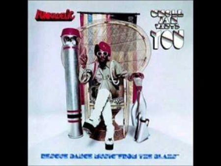 George Clinton & Parliament-Funkadelic keep funkin' around