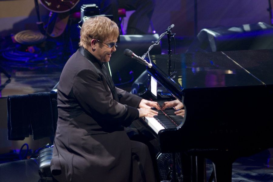 Caesars Palace extends Elton John residency for three years