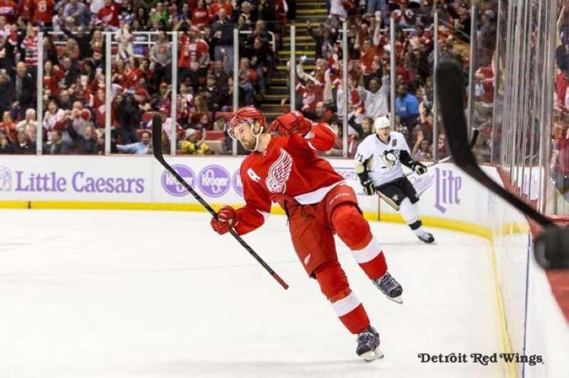 Red Wings win OT thriller over Penguins