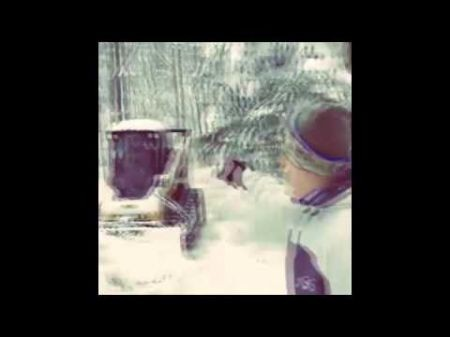 Dan Carpenter, Mario Williams dig neighbors out of Buffalo snow