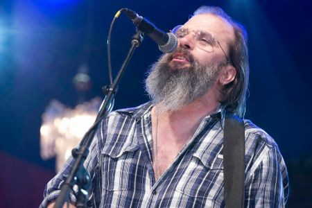 Steve Earle takes up four date residency at City Winery