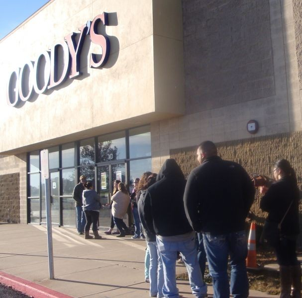 Black Friday shoppers going strong in Enid, Oklahoma