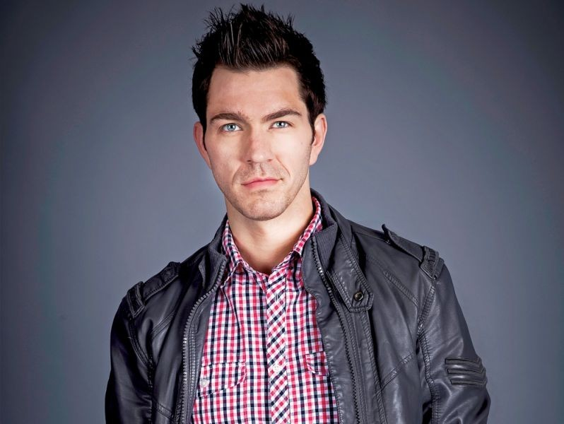 The 33-year old son of father Red Grammer and mother Kathy Grammer, 184 cm tall Andy Grammer in 2017 photo