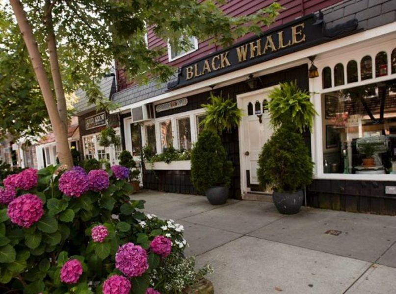 Experience The Bronx: Waterside dining