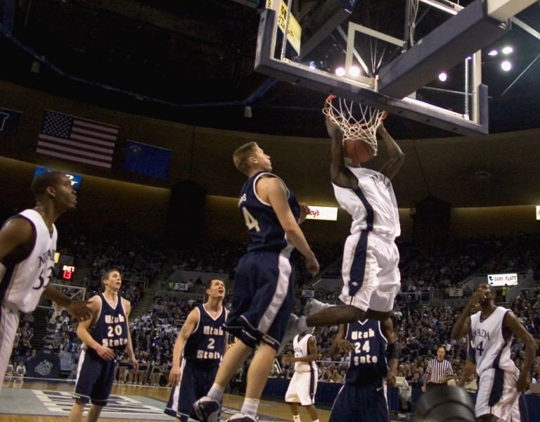 Utah State Aggies basketball suffers first loss of year at Mississippi St