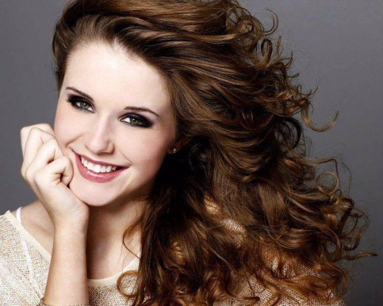 Molly Ketterling crowned Miss North Dakota USA