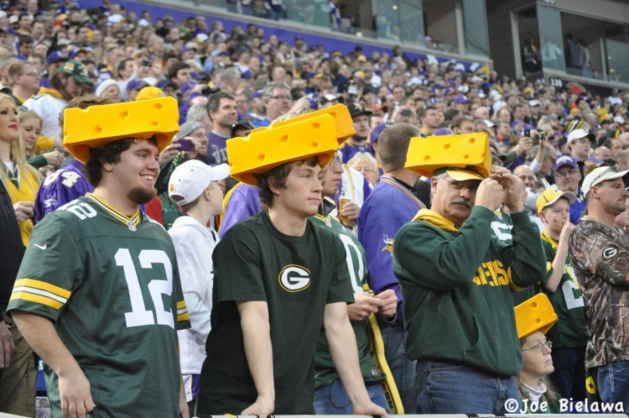 Green Bay Packers battle for road win over NFC North rival Minnesota Vikings
