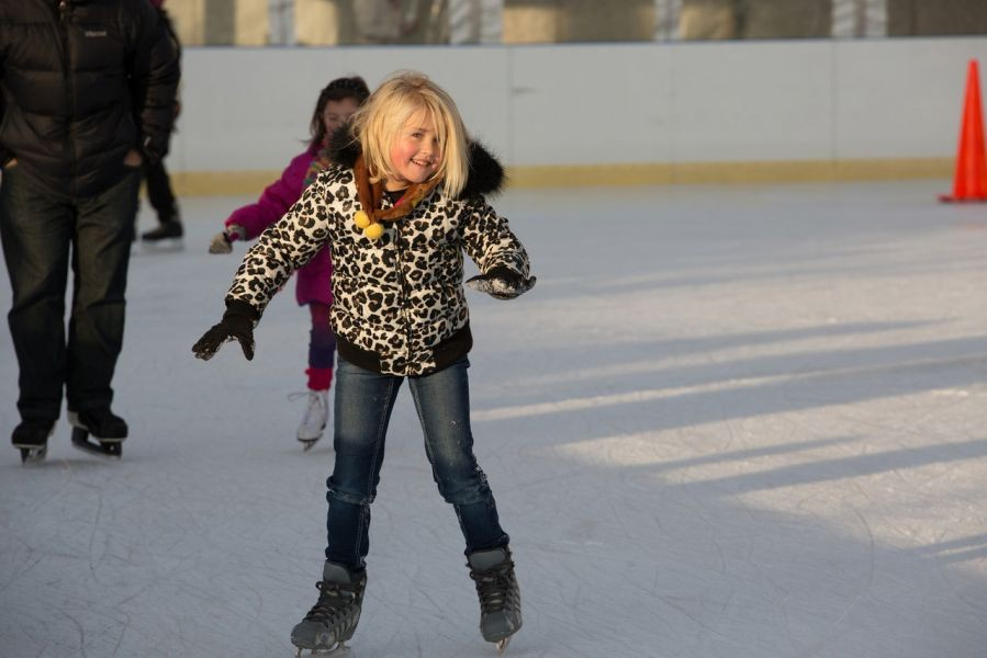 Skate away from Black Friday shopping insanity at FROZEMONT
