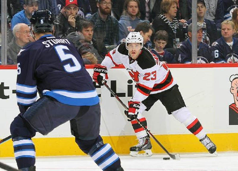 Patrik Elias notches 395th NHL goal in Winnipeg as Devils drop road trip opener