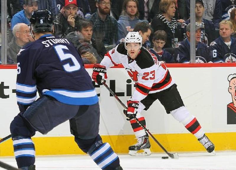 Patrik Elias notches 395th NHL goal in Winnipeg as Devils drop road trip opener