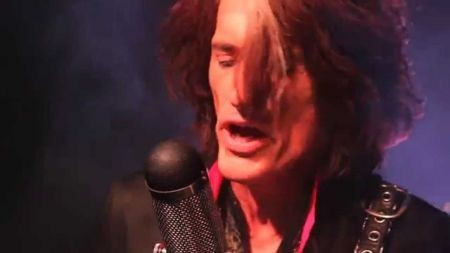 Aerosmith guitarist Joe Perry releases Christmas album