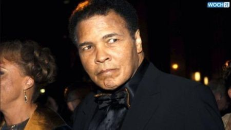 Muhammad 'I am the Greatest' Ali hospitalized with pneumonia