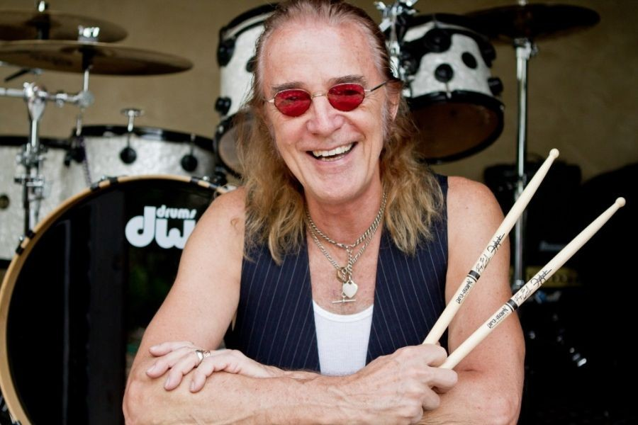 Interview with Roger Earl, drummer of legendary band Foghat