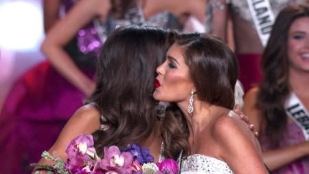 Latinos celebrate beauty and music as Colombia crowned Miss Universe