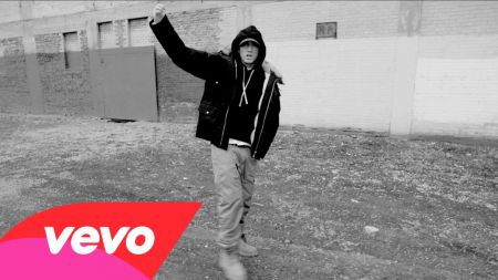 Eminem releases new video for 'Detroit vs. Everybody' glorifying the Motor City