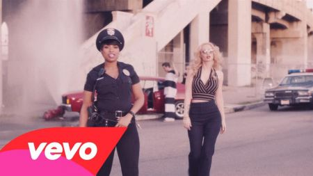 Iggy Azalea detained by Jennifer Hudson in new video