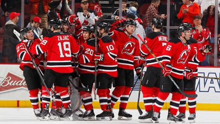Devils hang on to down Predators and win second straight
