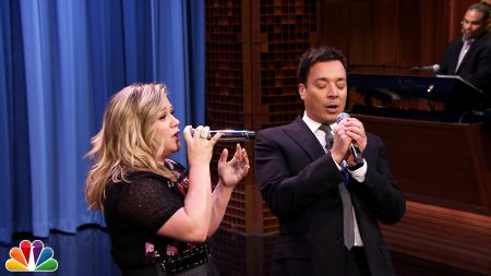 Kelly Clarkson finds a duet partner in Jimmy Fallon