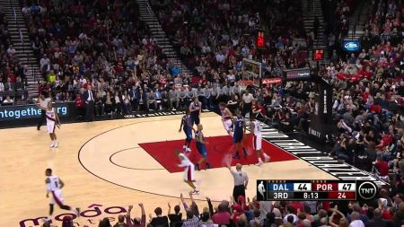 Blazers destroy Mavericks, lose Wesley Matthews for year