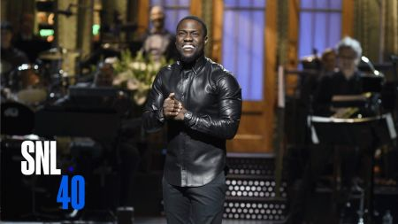 Kevin Hart set to break all-time comedy tour record