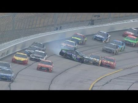 Hamlin holds off Keselowski to win STP 500 in Martinsville