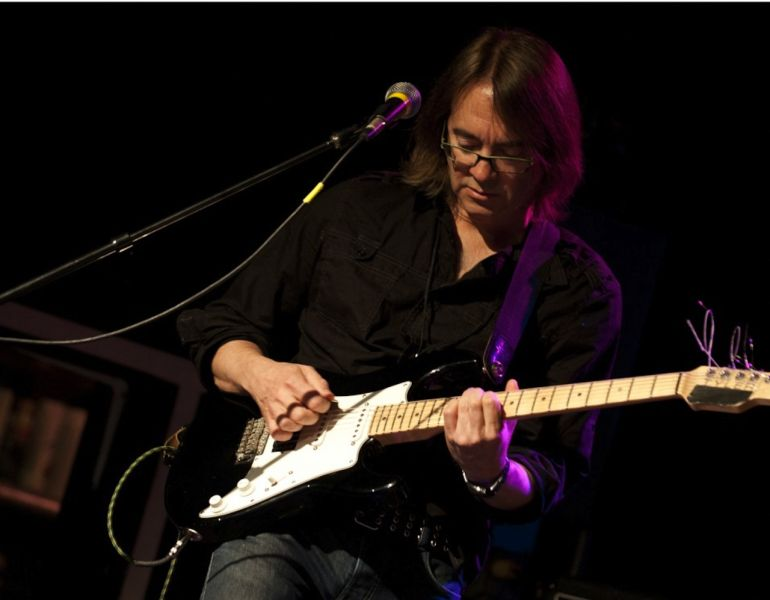 Steely Dan guitarist Wayne Krantz riffs, grooves on 'Good Piranha Bad Piranha'