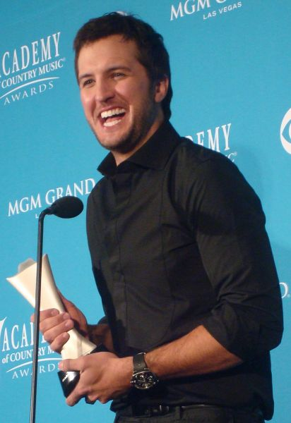 5 memorable Luke Bryan performances