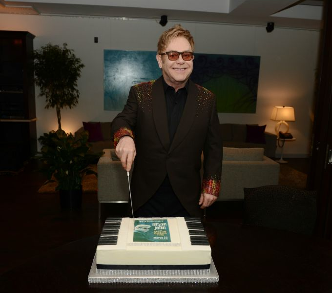 Elton John celebrates the 100th performance of 'The Million Dollar Piano'