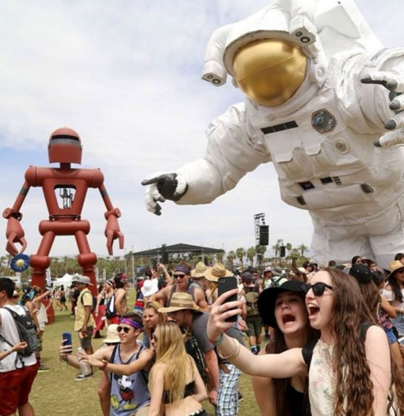 The arms God gave you and 4 other substitutes for selfie sticks at Coachella