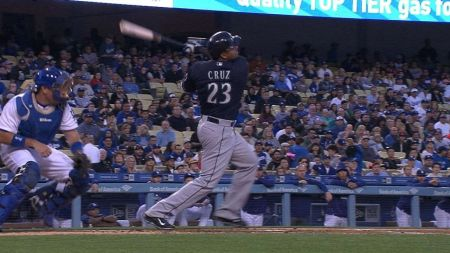 Nelson Cruz continues amazing 2015 for Seattle Mariners