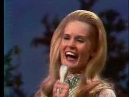 10 Best Lynn Anderson songs