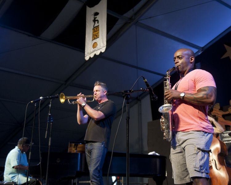 Jeremy Davenport's trumpet brings the crowds, gets Jazz Fest moving (PHOTOS)