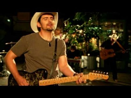 Brad Paisley set to play Hollywood Bowl