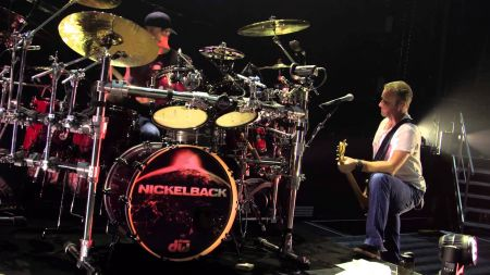 Nickelback with special guest Lifehouse hits DTE Music Energy Theatre Clarkston