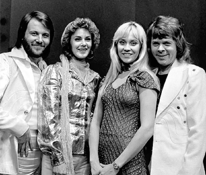 ABBA in AVRO's TopPop (Dutch television show) in 1974