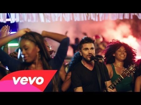 Juanes kicks off his Loco de Amor tour with a special tour edition album